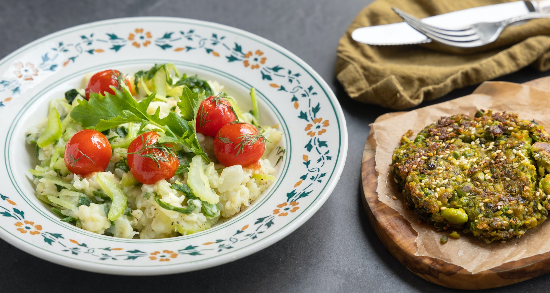 Bloemkool raapsteelstamp met tomaten dillejus en edamameburgers uit de Keuken van Maass