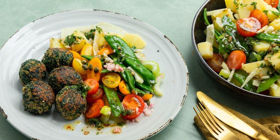 Aardappelsalade met overjarige kaas spinazie balletjes | Maaltijdbox recepten
