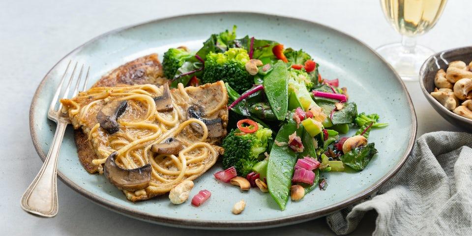 Portobello noedelomelet met roerbakgroenten en cashew   Maaltijdboxen recepten