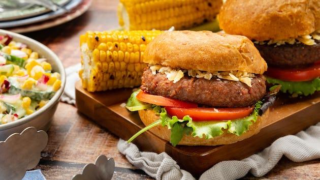 Futureburger op brioche met mais | Recept uit de maaltijdbox