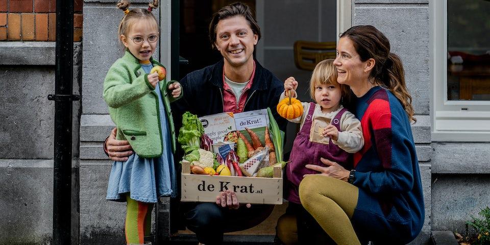 Remco en gezin maaltijdbox krat