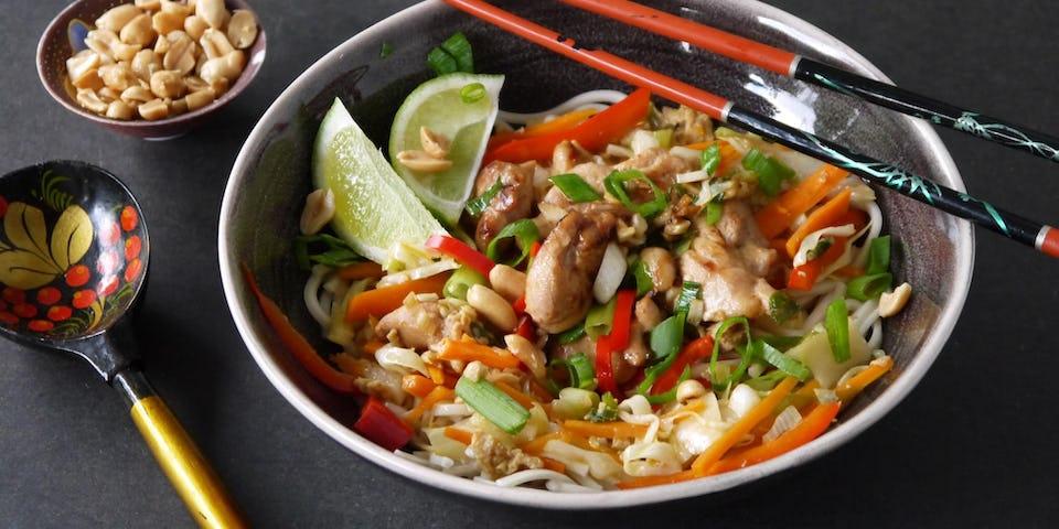 Pad thai met kip en noedels