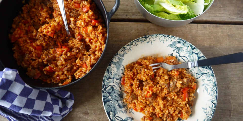 2220 Ovenrisotto Met Worst Tomaat En Paprika Met Little Gem Sla
