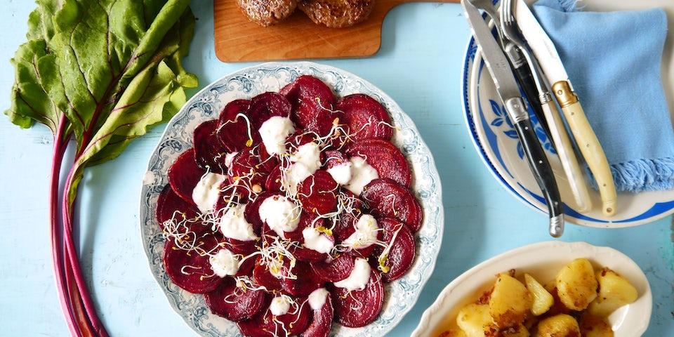 2350 Lamsburger Met Geroosterde Bosbietjes En Gebakken Aardappels
