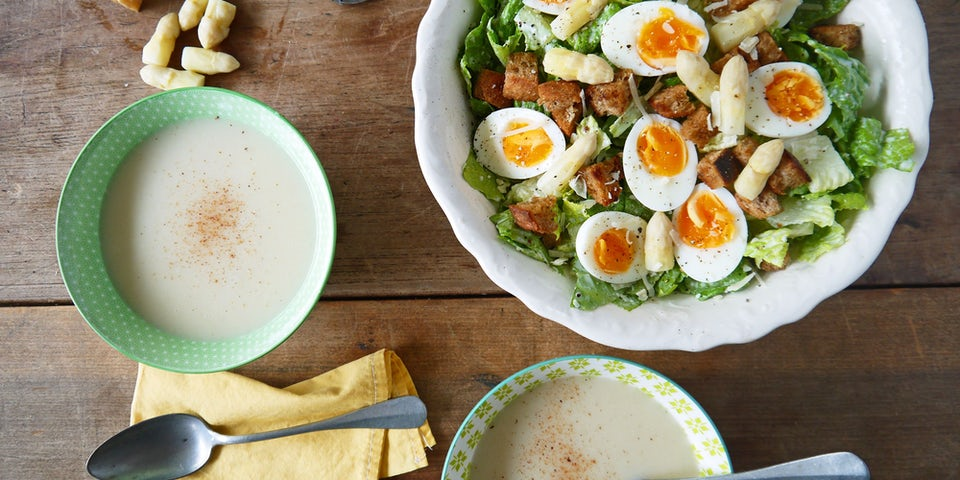 2364 Aspergesoep Met Vegetarische Ceasar Salad En Knoflookcroutons