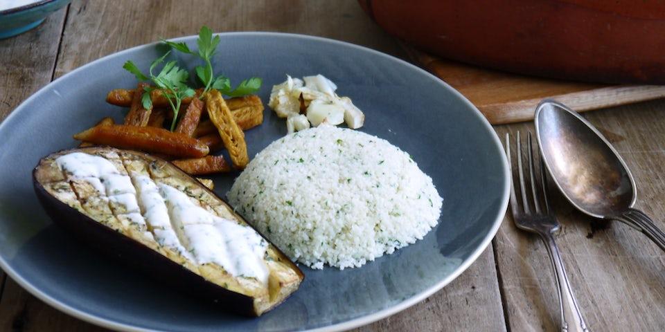 2452 Vegetarische Kipshoarma Met Bloemkoolcouscous Aubergine Munt En Peterselie