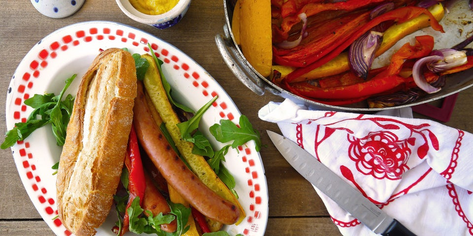 2495 Broodje Hotdog Met Geroosterde Paprika Bolcourgette En Rucola
