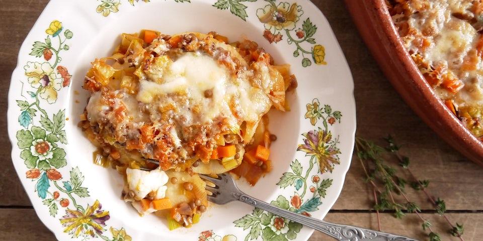 2695 Vegetarische Knolselderij Lasagne Met Kappertjes Mozzarella En Parmezaan