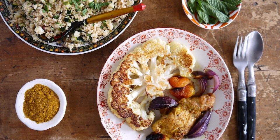 2976 Marokkaanse Kip Met Abrikozen Couscous Met Hazelnoten En Munt En Geroosterde Bloemkool