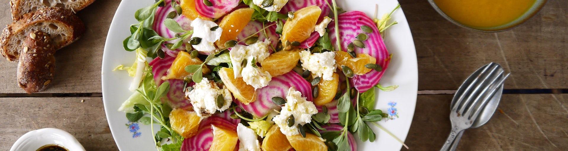 Salade van chioggiabietjes met mozzarella en wortelsoep | Maaltijdbox recepten