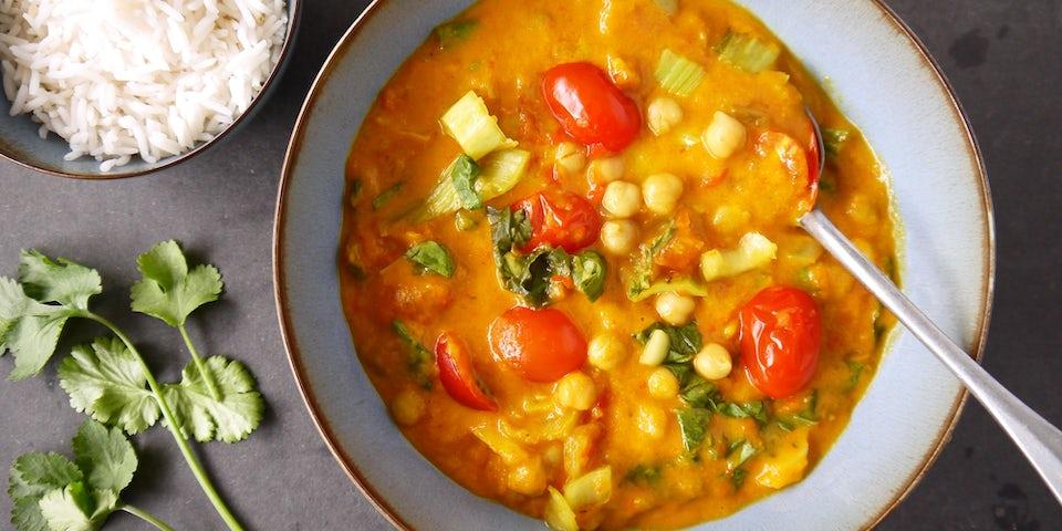 3096 Curry Met Geroosterde Paprika Tomaat En Kikkererwten
