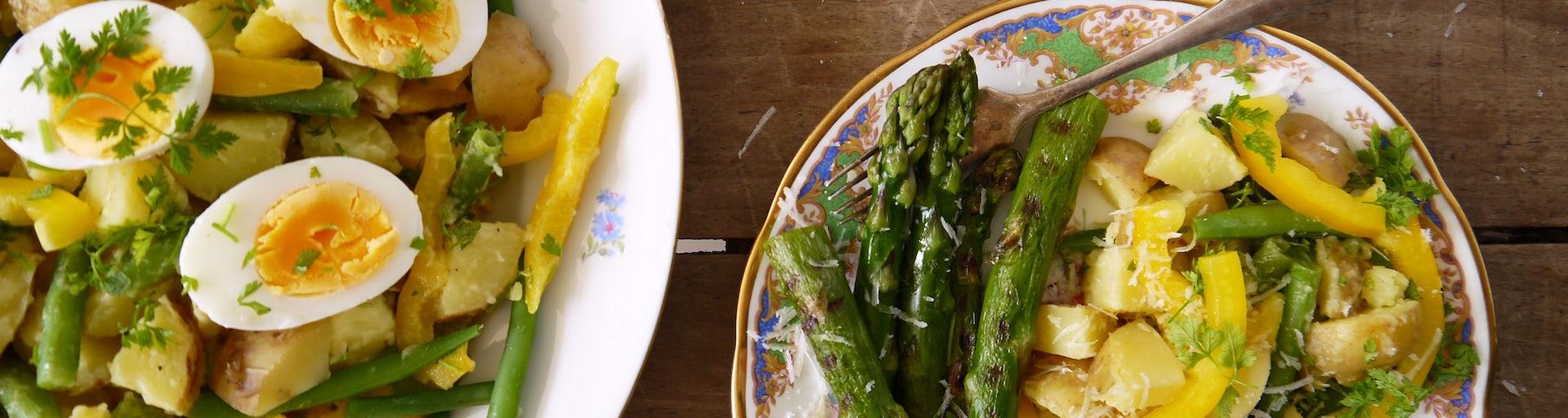3139 Aardappelsalade Van Opperdoezer Ronde Met Gegrilde Groene Asperges En Parmezaan