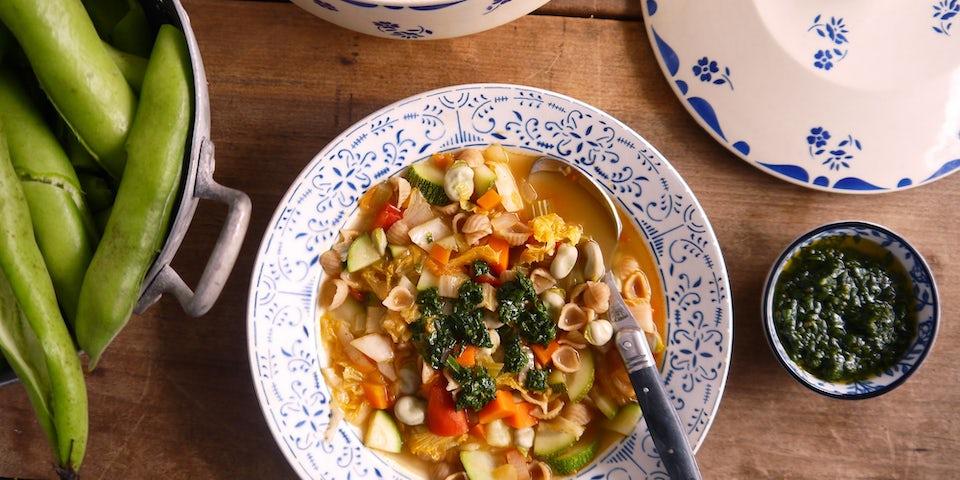 3169 Soupe Au Pistou Met Tuinbonen En Schelpjespasta