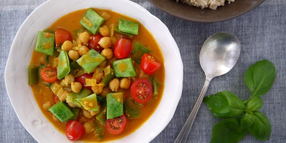 3290 Vegan Curry Met Kokos Kikkererwten Cherry Tomaatjes En Snijbonen