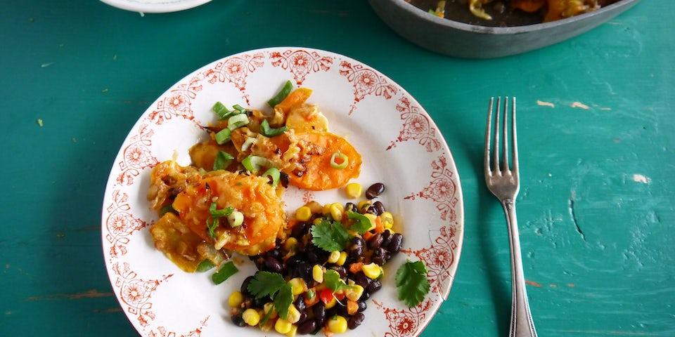 3494 Zoete Aardappels Uit De Oven Met Mexicaanse Bonensalade