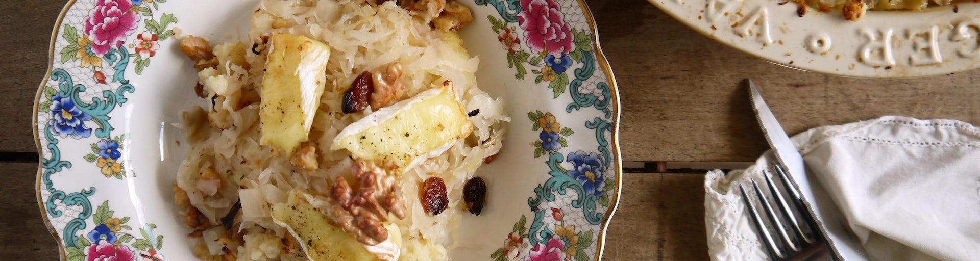 3602 Zuurkoolovenschotel Met Yacon Camembert En Walnoten