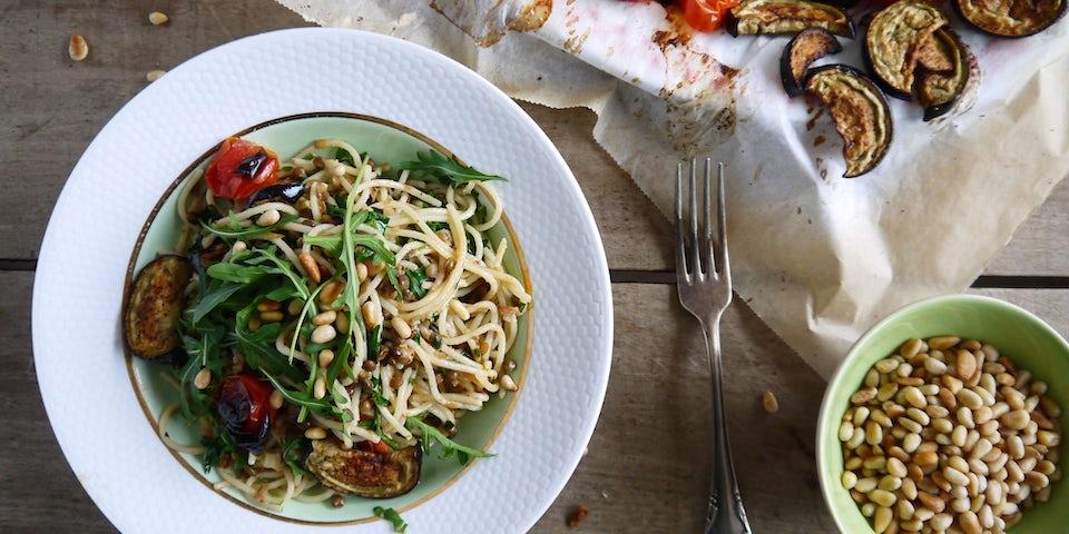 3606 Spaghetti Met Geroosterde Aubergine En Tomaatjes Met Linzen En Mozzarella