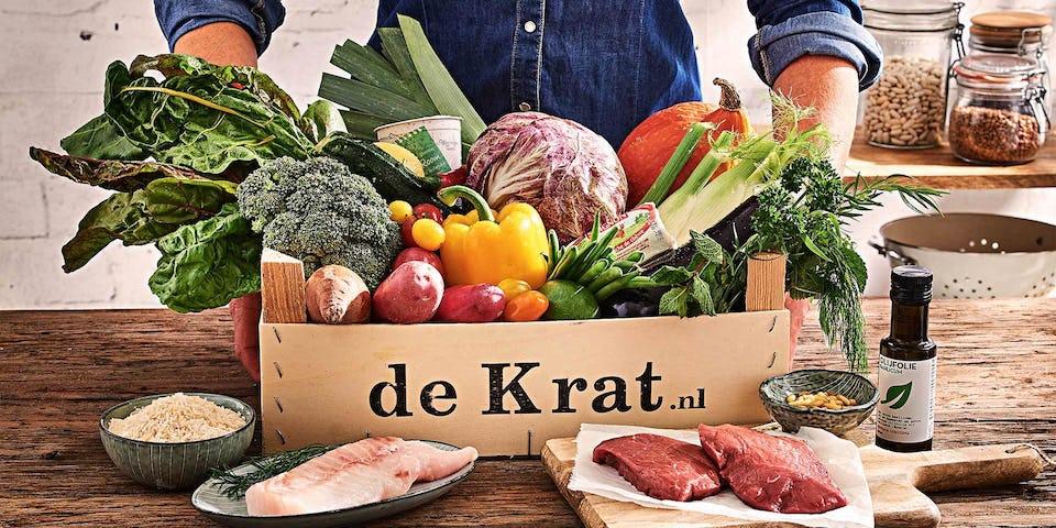 Biefstuk met champignons en ui, bietensalade met jonge geitenkaas en aardappels uit de oven | maaltijdbox recepten