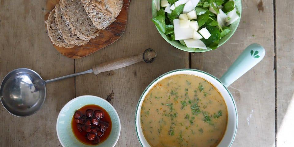Wk 13 witte bonensoep met chorizo waterkerssla en brood