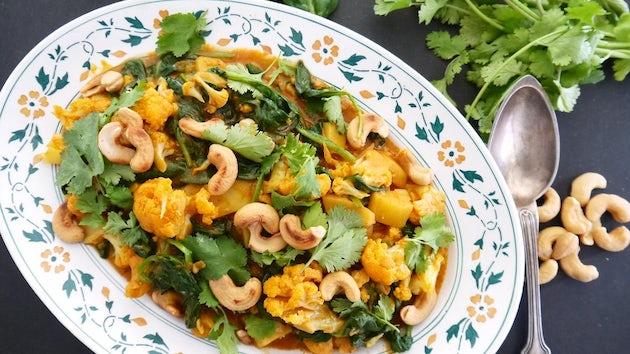 Wk 18 indiase curry met bloemkool spinazie en cashew