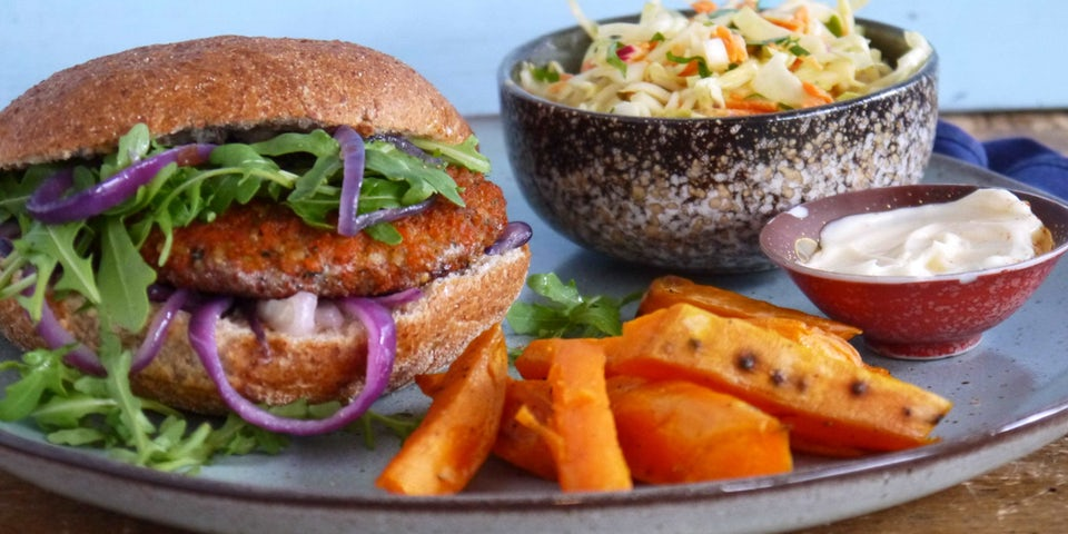 Wk-2-broodje-BOON-chiliburger-coleslaw-bataat-friet-gebakken-uien-min