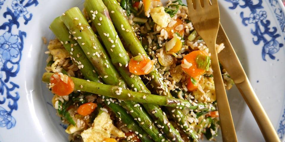 Wk 24 gebakken rijst asperges sesam soja