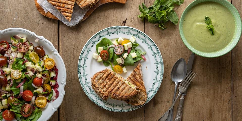 Wk 29 kant en klare doperwten muntsoep met reade jutter tosti