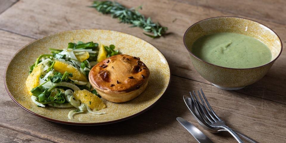 Chickenpie van PomPie met broccolisoep en salade | Maaltijdboxen recepten