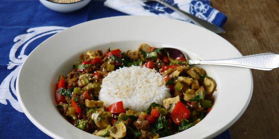 Wk 32 roerbak gehakt paprika champi andijvie rijst
