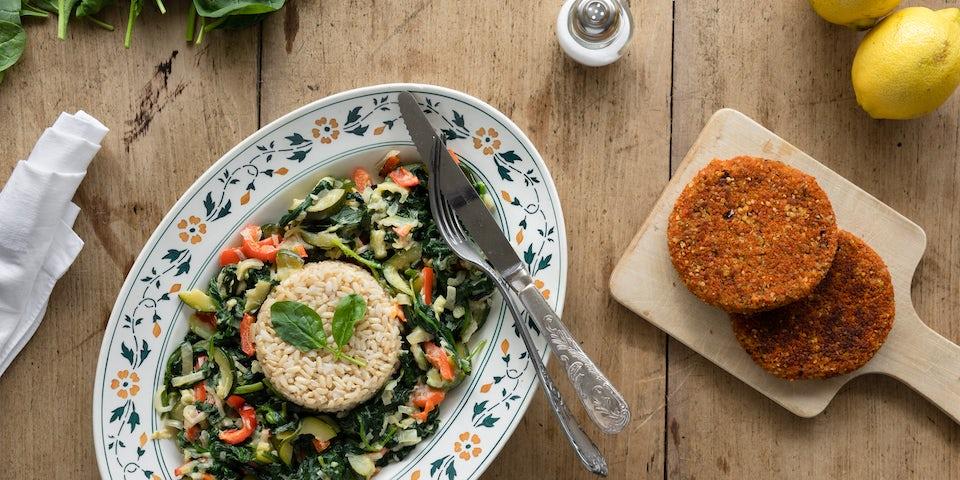 Wk 34 boon chiliburger met groentenroerbak en rijst 1