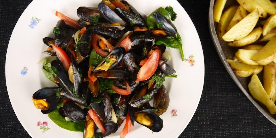 Mosselen met tomaat, venkel en aardappelwedges recept | Maaltijdbox recepten
