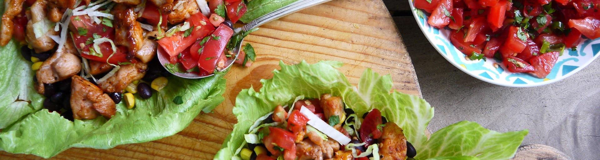 Wk 40 Mexicaanse bonen mais salade met gebakken kippendij en tomaten salsa