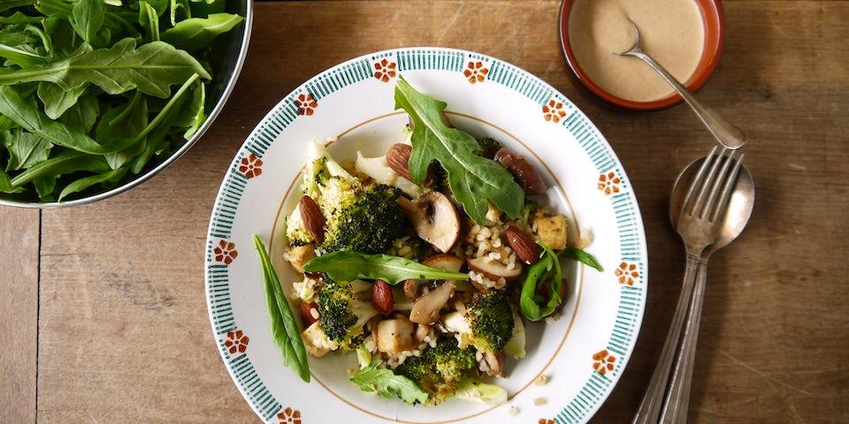 Wk 42 bulgur kastanje champ broccoli tahin dressing amandel RUCOLA