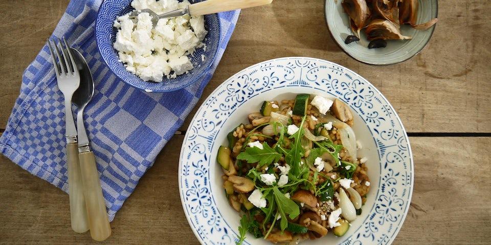 Wk 43 parelgort zwarte knoflook rucola champignons feta