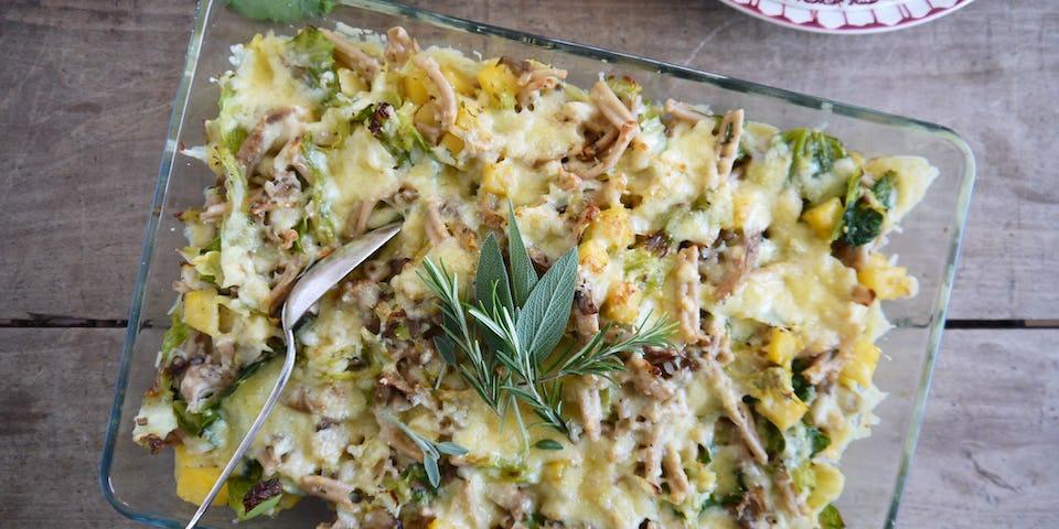 Wk 47 gegratineerde pastaschotel groene kool oesterzwam koolraap griffioenkaas