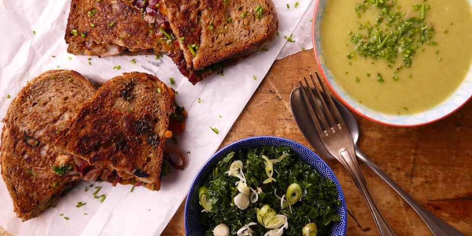 Wk 52 preisoep met cheddar tosti en boerenkool slaatje