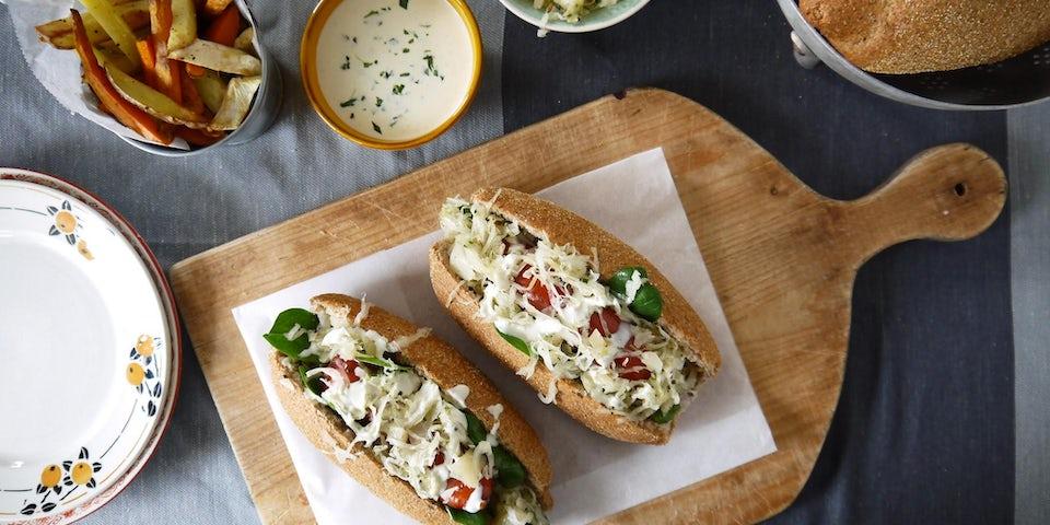 Wk 10 Broodje hotdog met zuurkool en groentefrietjes