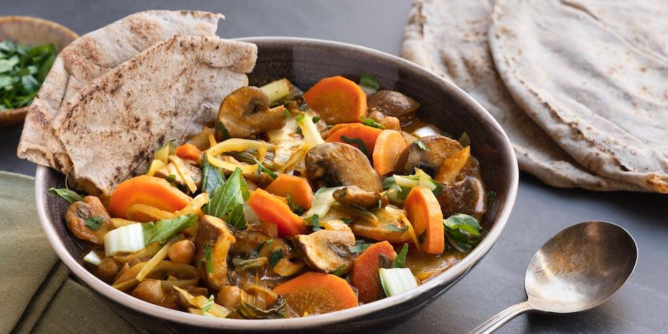 Wk 12 Goede gevulde groentecurry peterselie volkoren Libanees flatbread 2