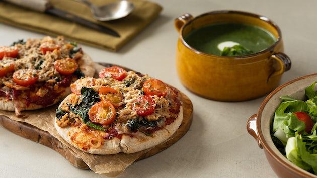 Wk 14 Tuna melt pitapizza met tomaatjes en spinaziesoep 4
