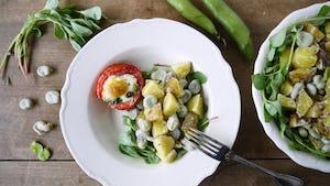 Wk 30 gevulde tomaten met ei en aardappel tuinbonen salade 2016