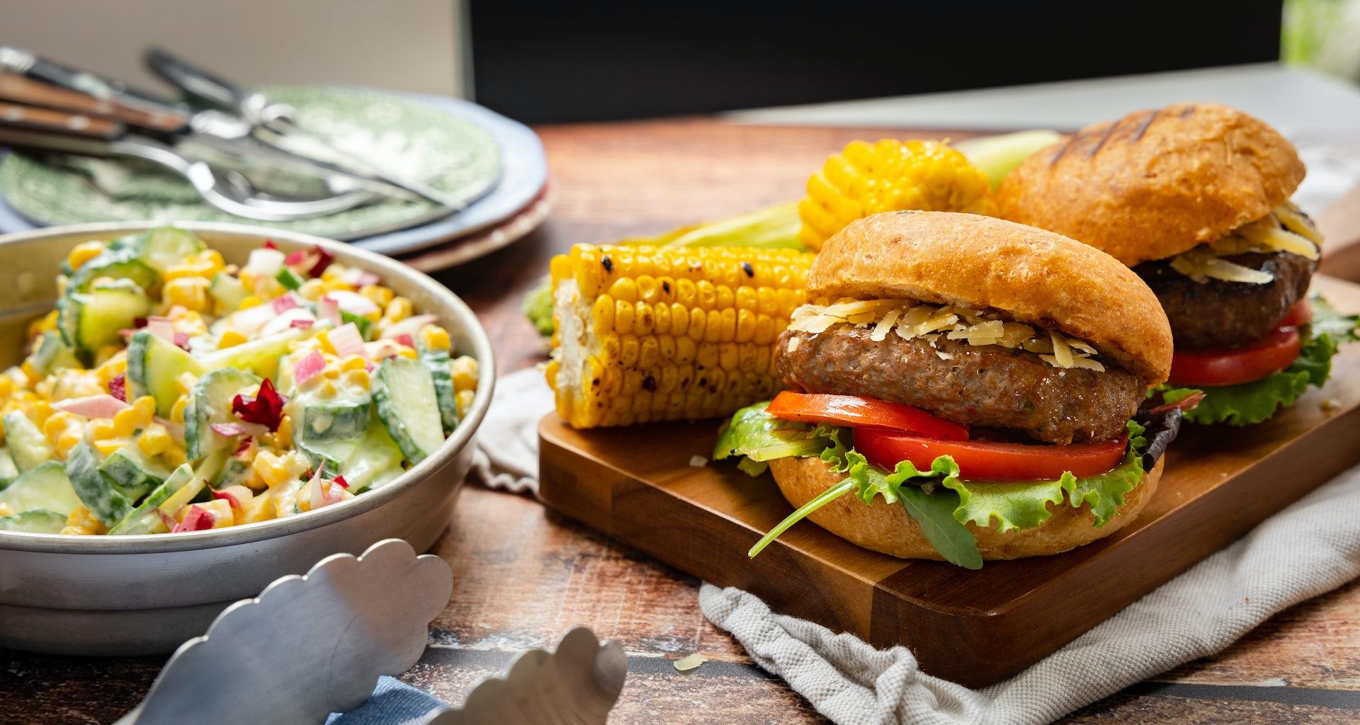 Runderburger met mais en salade | Maaltijdbox recepten