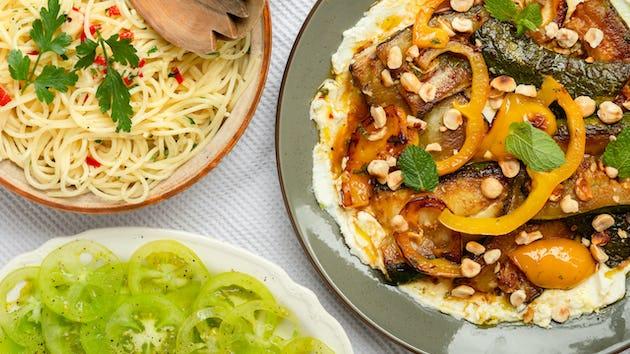 Gekaramelizeerde groenten met citroenricotta spaghetti en green zebra tomaten | Maaltijdbox recepten
