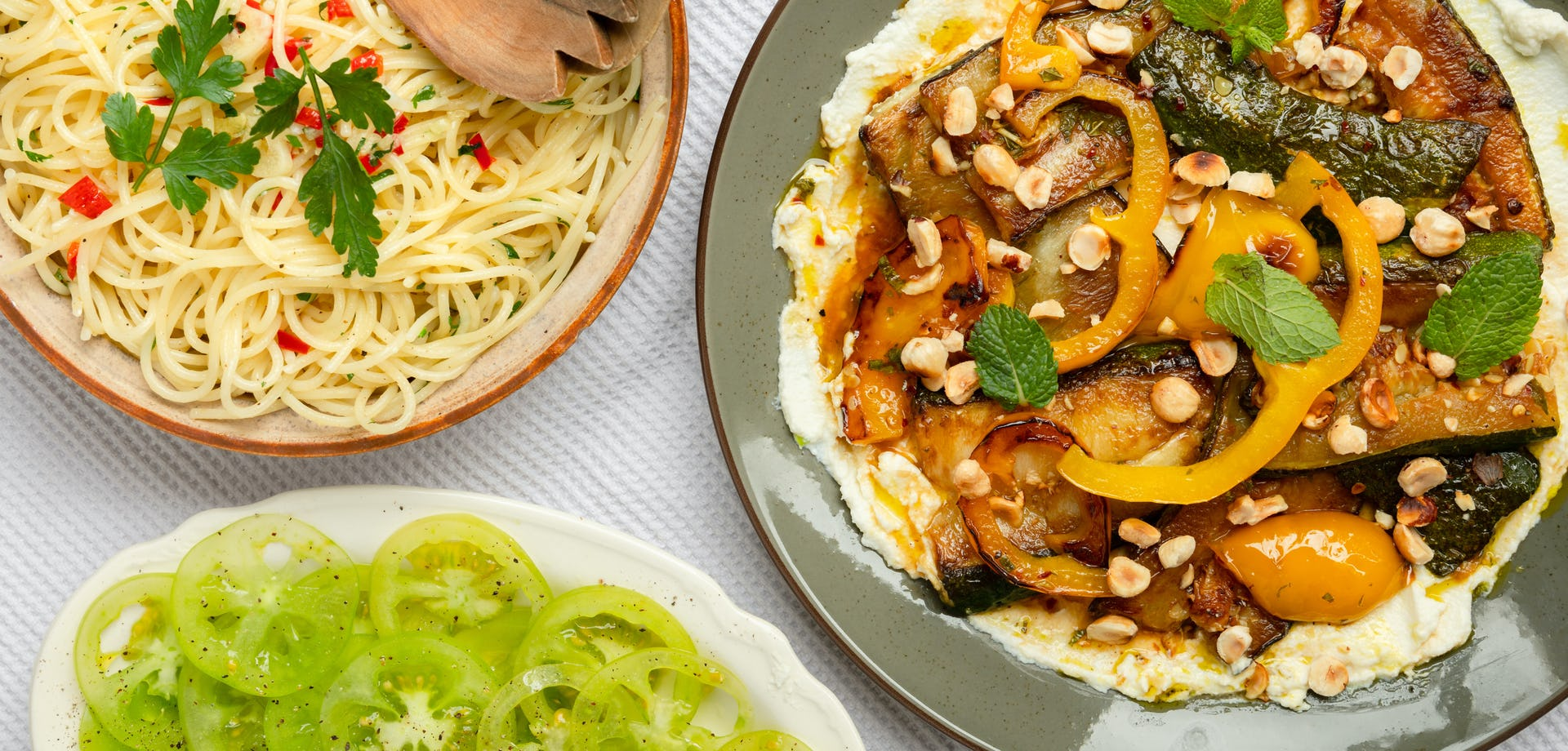 Gekaramelizeerde groenten met citroenricotta spaghetti en green zebra tomaten   Maaltijdbox recepten