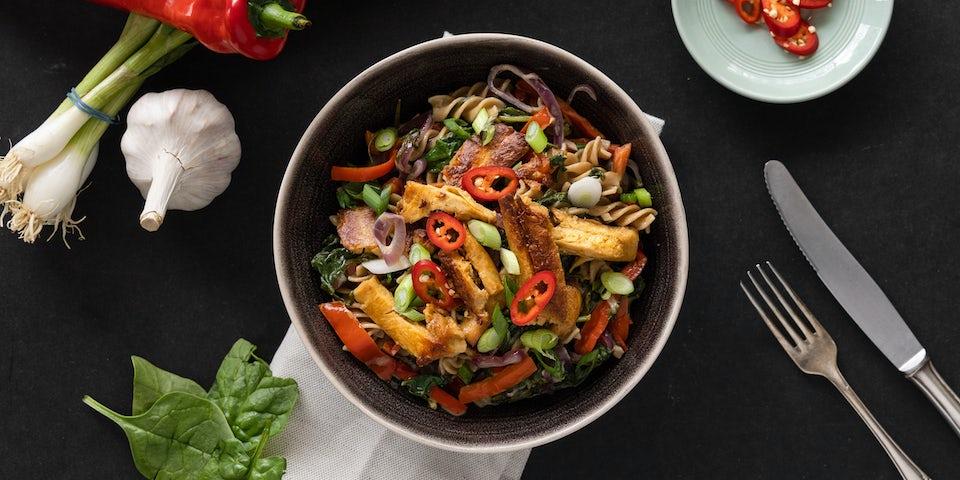 Volkoren fusilli met vegan reepjes spinazie paprika en roomsaus | Maaltijdbox recepten