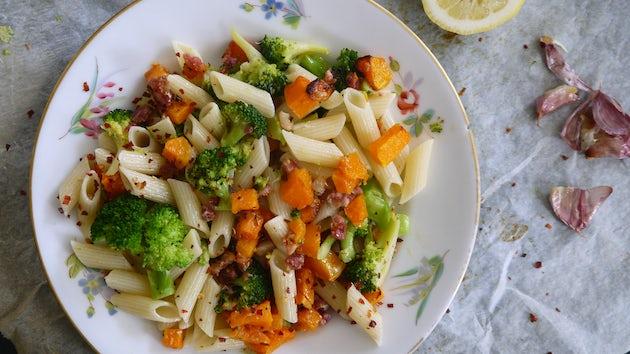 penne pompoen, spek en gepofte knoflook | maaltijdbox recepten