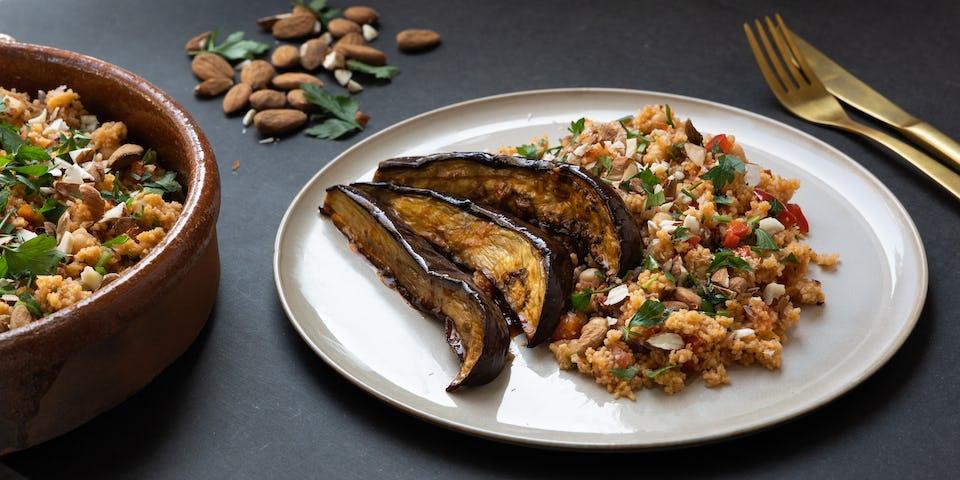 Wk 42 geglaceerde aubergine met gevulde couscoussalade