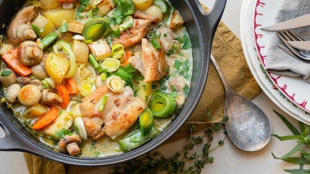 Kipstoof met katenspek, champignons en Nicola aardappels | Maaltijdbox recepten