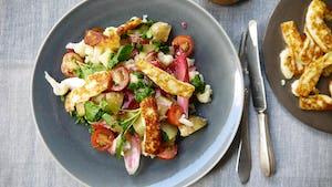 Maaltijdbox recept haloemi met cherrytomaat en aardappel bloemkoolsalade
