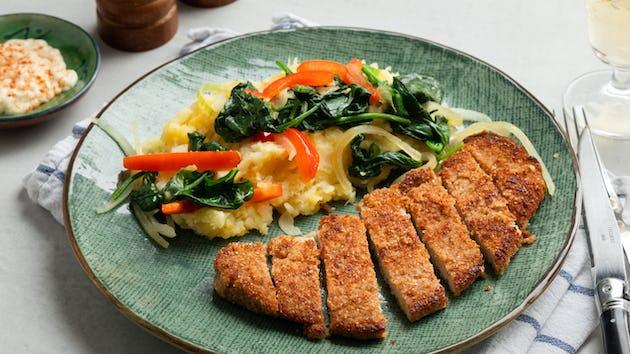 Pastinaak-aardappelstampje met spinazie wok en gepaneerde varkensschnitzel | Recepten maaltijdbox