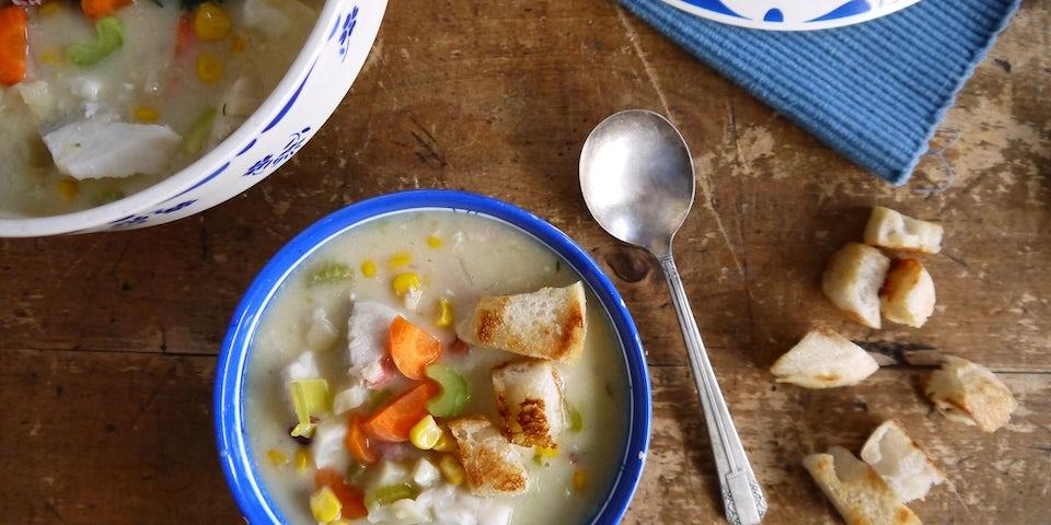 Wk-9-vischowder-met-croutons-en-veel-groenten-min